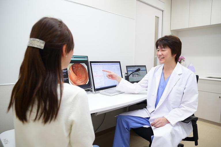 胃カメラ(胃内視鏡)の定期的な検査を受けはじめる年齢